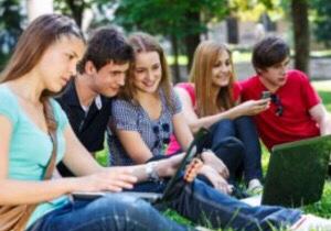Helping Teenagers Cope with PeerPressure